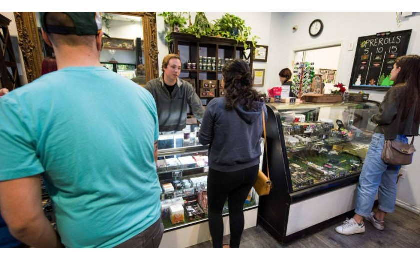 California estrena el 1 de enero el mayor mercado de marihuana legal recreativa del mundo