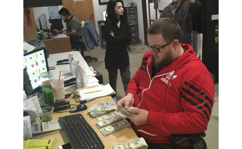 ¿Dónde metemos los millones de la marihuana?